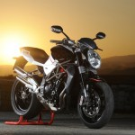 News Motor Bike 2013: MV Agusta Brutal 1090, 1090 R And 1090 RR