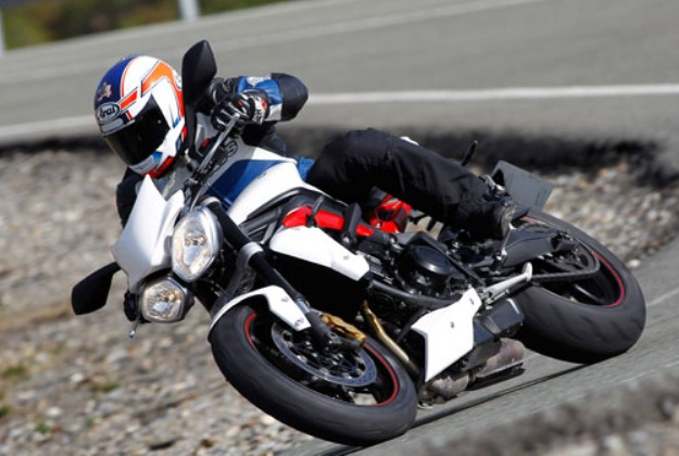 Test Triumph Street Triple R 2013: Triple in the fashion of Hinckley