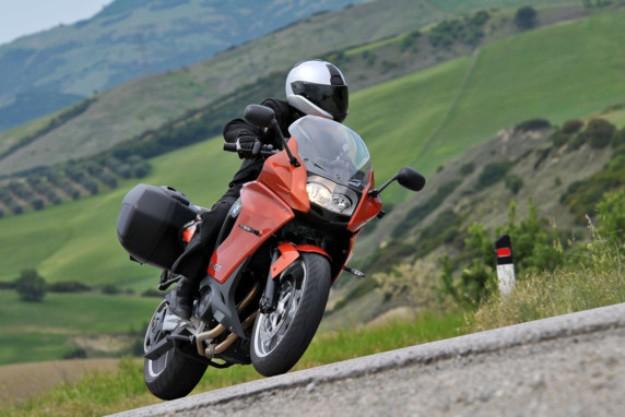News motor bike 2013: BMW F800GT, the sport tourism light weight