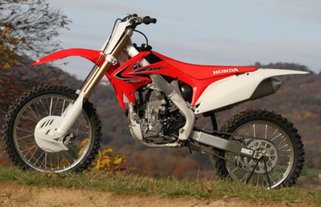 honda crf 250 r vs kawasaki kx 250 f bikes catalog. Black Bedroom Furniture Sets. Home Design Ideas