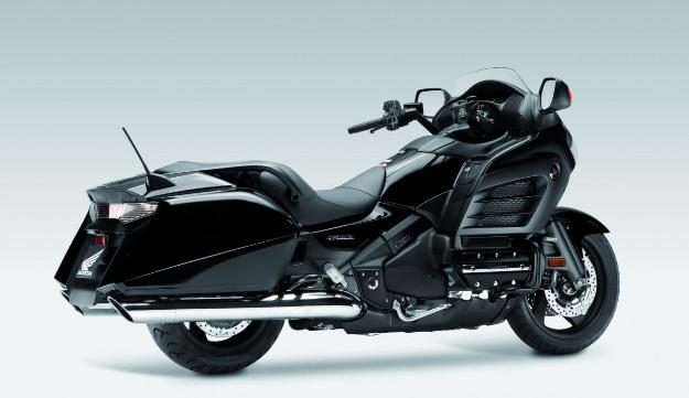 News motor bike 2013: Honda GoldWing F6B, the bagger 6 cylinders