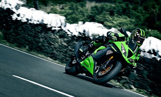 Kawasaki reveals its new Ninja ZX6R 636 2013