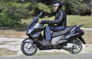 Test Aprilia Atlantic 125