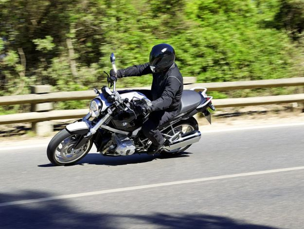 Test BMW R1200R Classic: The boxer which flat ego