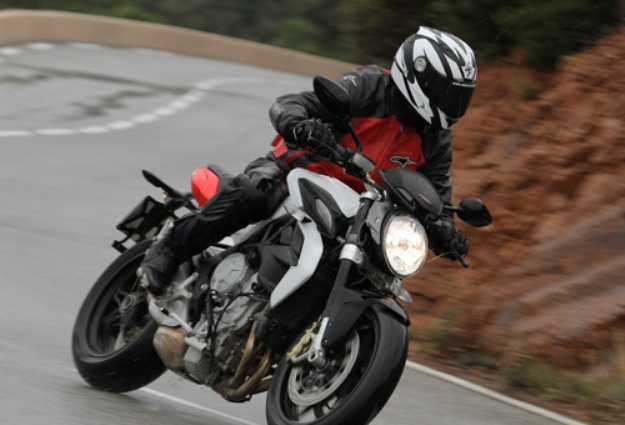 Test MV Agusta Brutale 800 2013: A strong character!