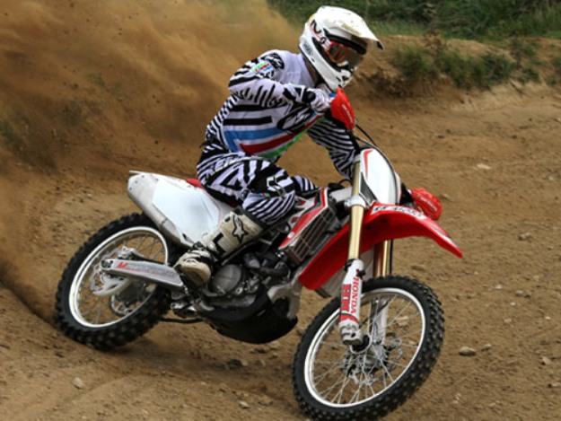 Test HM CRF 300 R: Character moreover!