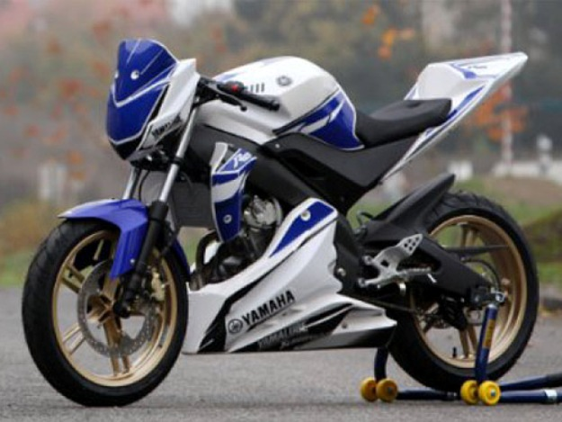 Coupe of France Promosport 2013: Yamaha YZF- 125R in the race