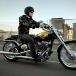 News motorcycle 2013: Harley-Davidson Softail CVO Breakout