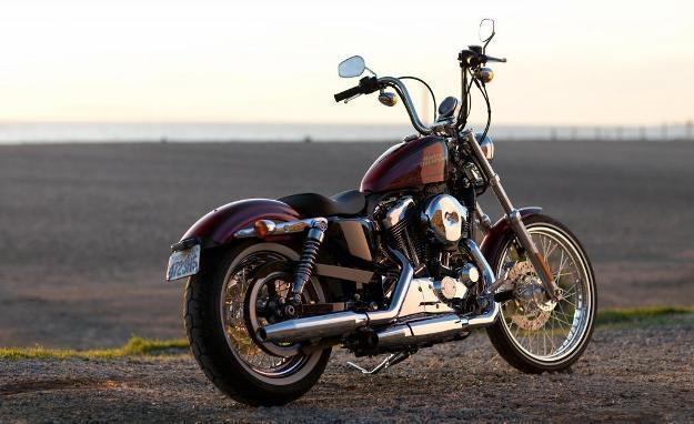 News motorcycle 2013: Harley-Davidson Sportster 1200 Custom Limited