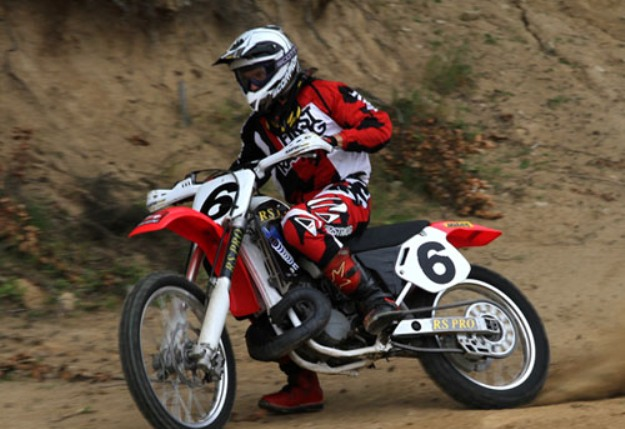 Test Honda CR500R vs CR500RS Pro governed Simon: Even not fear… or almost!
