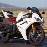 Triumph 675 Daytona R: First Contact 2013