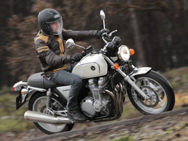 Test Honda CB 1100: Back to the road