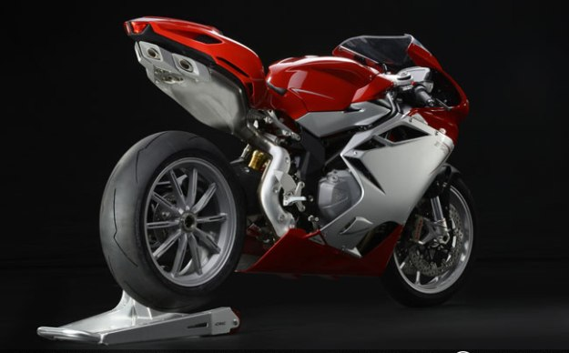 Test MV Agusta F4 2013 : the prestige of the directions