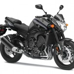 Test Yamaha FZ8 2013: More blue to counter the Green one!