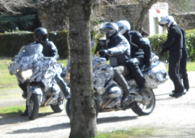 """Innovation motorcycle: BMW R1200RT """"liquid"""" seen in the south of France"""