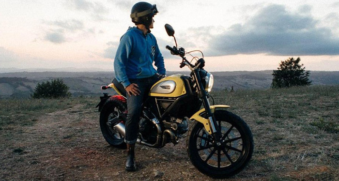 Awesome The New 2015 Ducati Scrambler Icon Bikes Catalog Machost Co Dining Chair Design Ideas Machostcouk