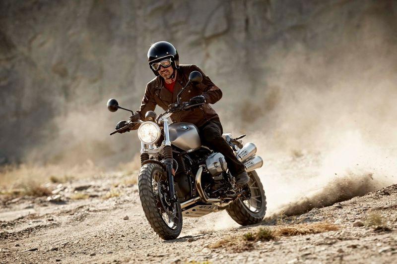 2016 BMW R nine T Scrambler  ride