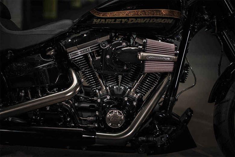 Harley Davidson 2017 CVO Pro Street Breakout Engine