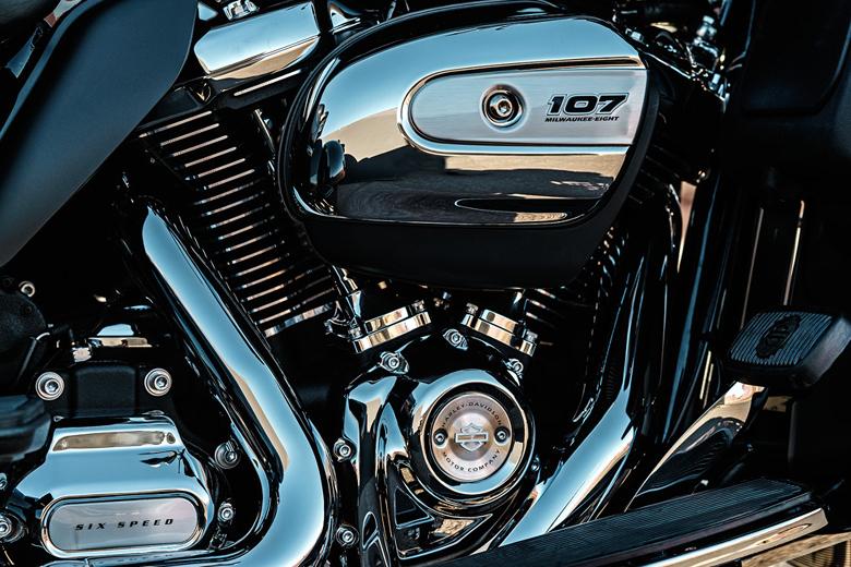 Harley Davidson 2017 Tri Glide Ultra Engine