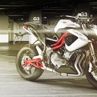 Benelli TNT 899 Naked Sports Motorcycle
