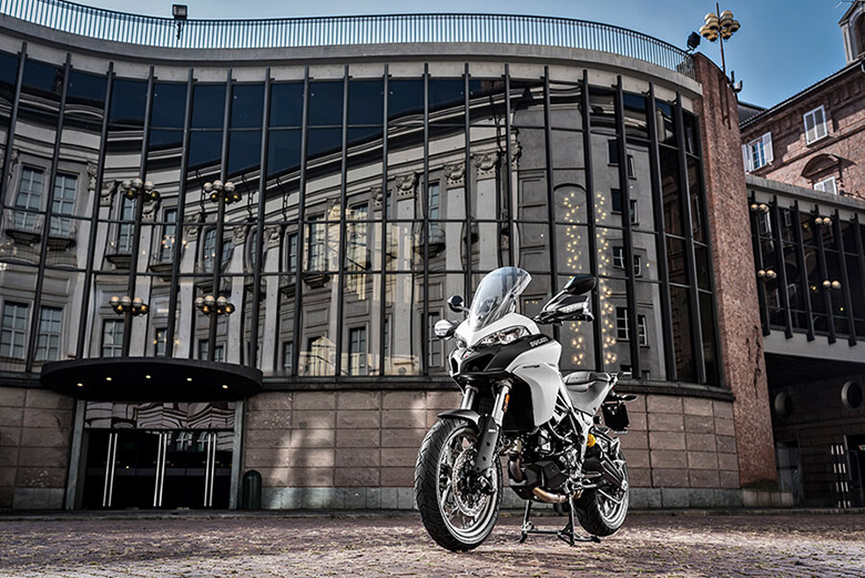 Ducati 2017 Multistrada 950 Urban Sports Bike