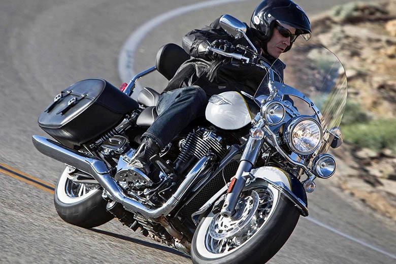 Triumph My17 Thunderbird Family Cruiser Bike Review