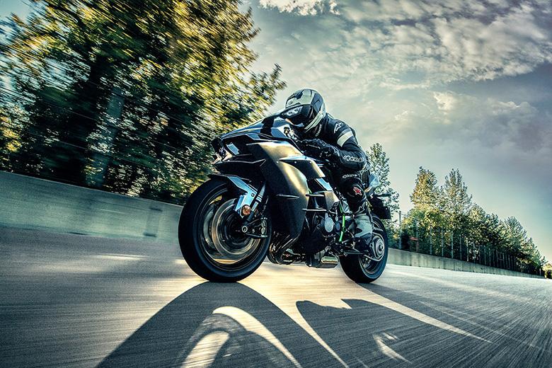 2017 Kawasaki Ninja H2 Carbon Sports Bike - Review Price
