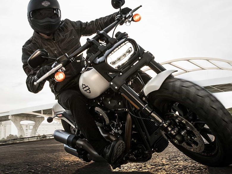 Harley-Davidson 2018 Softail Fat Bob - Review Specs Price