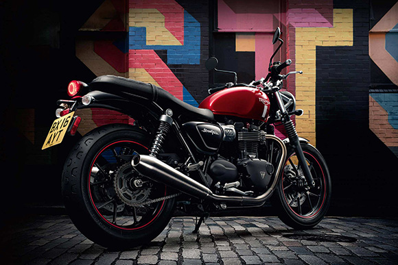 2018 triumph street twin modern classics bike review price. Black Bedroom Furniture Sets. Home Design Ideas