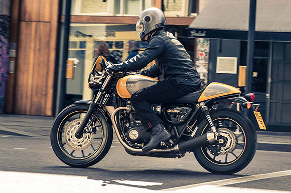 Street Cup 2018 Triumph Modern Classic Motorcycle