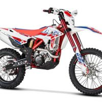 The new 2018 Beta 480 RR-Race Edition Powerful Dirt Bike is another impressive masterpiece by Beta brand. This off-road bike is one of the most potent bikes offering a massive amount of power and acceleration. It features the lightweight and robust frame that gives better handling experience of all times. The full review of the new 2018 Beta 480 RR-Race Edition Powerful Dirt Bike with its price and specifications are provided below. 2018 Beta 480 RR-Race Edition Powerful Dirt Bike – Price and Features The new 2018 Beta 480 RR-Race Edition Powerful Dirt Bike is available with the price of $9,999 only. Engine Features The new 2018 Beta 480 RR-Race Edition Powerful Dirt Bike features the most potent single-cylinder 4-valve 4-stroke liquid cooled 477.5 cc engine. It features an electric start with the backup kick starter, which is available as an option. The bore and stroke ratios are 100 mm and 60.8 mm respectively while the compression ratio is about 12.1:1. The ignition system consists up of DC-CDI having variable ignition timing, Kokusan that can provide a 200-watt output at 6000 RPM. The new spark plug NGK LKAR 8A-9 has been used. The fuel system consists up of 42 mm of electronic fuel injection with the dual injection system. The transmission consists up of 6-speed gearbox. Chassis Features The new 2018 Beta 480 RR-Race Edition Powerful Dirt Bike features the strong and lightweight frame. It features the new race graphics and rim decals that add to the more aggressive look. The new rear sprocket with an anodized aluminum core and steel teeth are not only attractive, but they are strong as well. The new 2018 Beta 480 RR-Race Edition Powerful Dirt Bike features an unbeatable combination of lightness and durability. Like the new 2018 Beta 430 RR-Race Edition Dirt Bike, it features the new quick release front wheel pin that speeds up tire repairs, and it saves precious seconds in a race situation. This dirt bike comes with the 48 mm of Sachs Closed Cartridge fork with