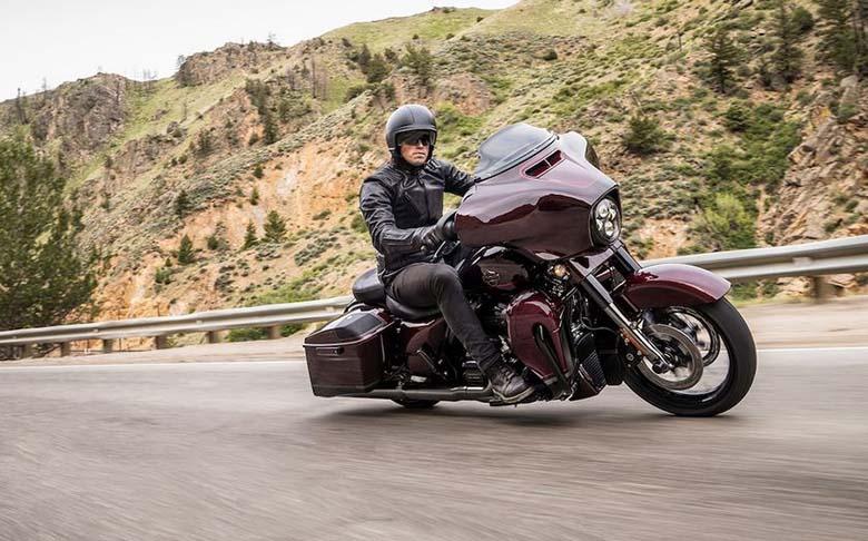 2019 CVO Street Glide Harley-Davidson Motorcycle