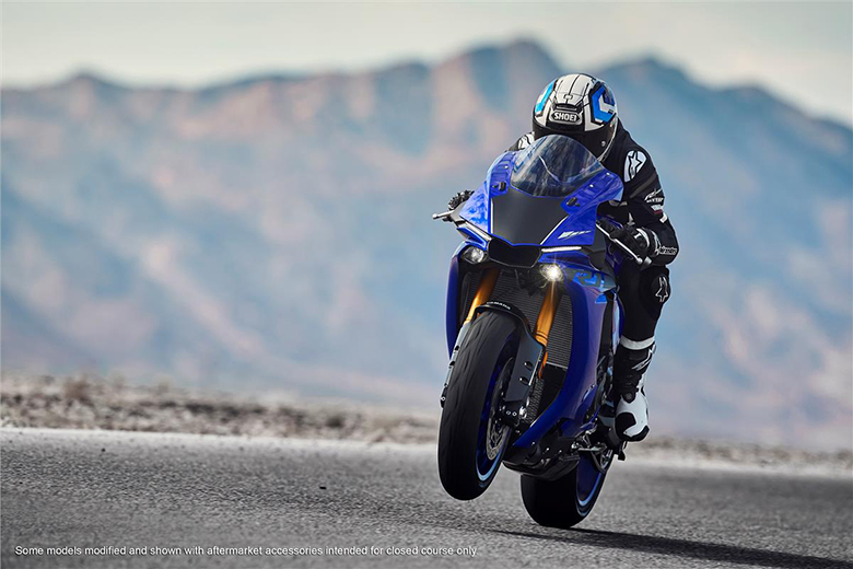 2018 YZF-R1 Yamaha Powerful Heavy Bike