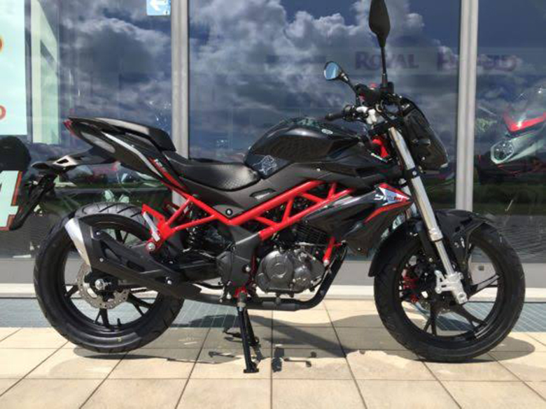 Neumotorrad: Benelli BN 125 schwarz, Baujahr: 2019, Preis