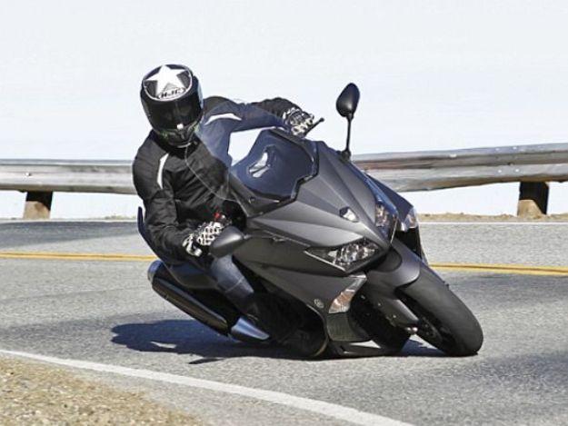 Comparative Aprilia SRV 850 ABS-ATC, BMW C 600 Sport ABS, Honda Integra C-ABS, Yamaha TMAX 530 ABS