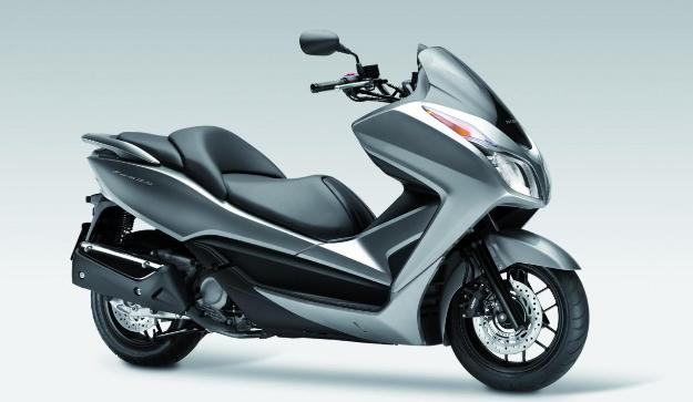 Honda NSS Forza 300 (C-ABS) 2013: The GT premium