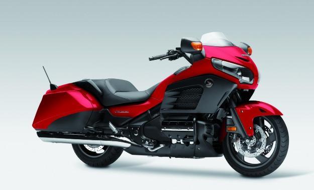 News motor bike 2013: Honda GoldWing F6B, the bagger 6 cylinders