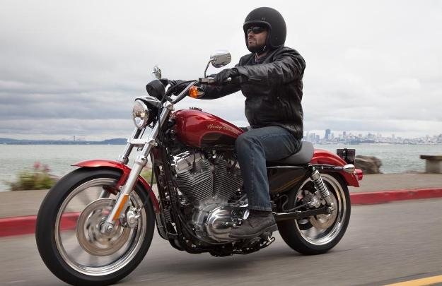 News motorcycle 2013: Harley-Davidson Sportster 1200 Custom Limited