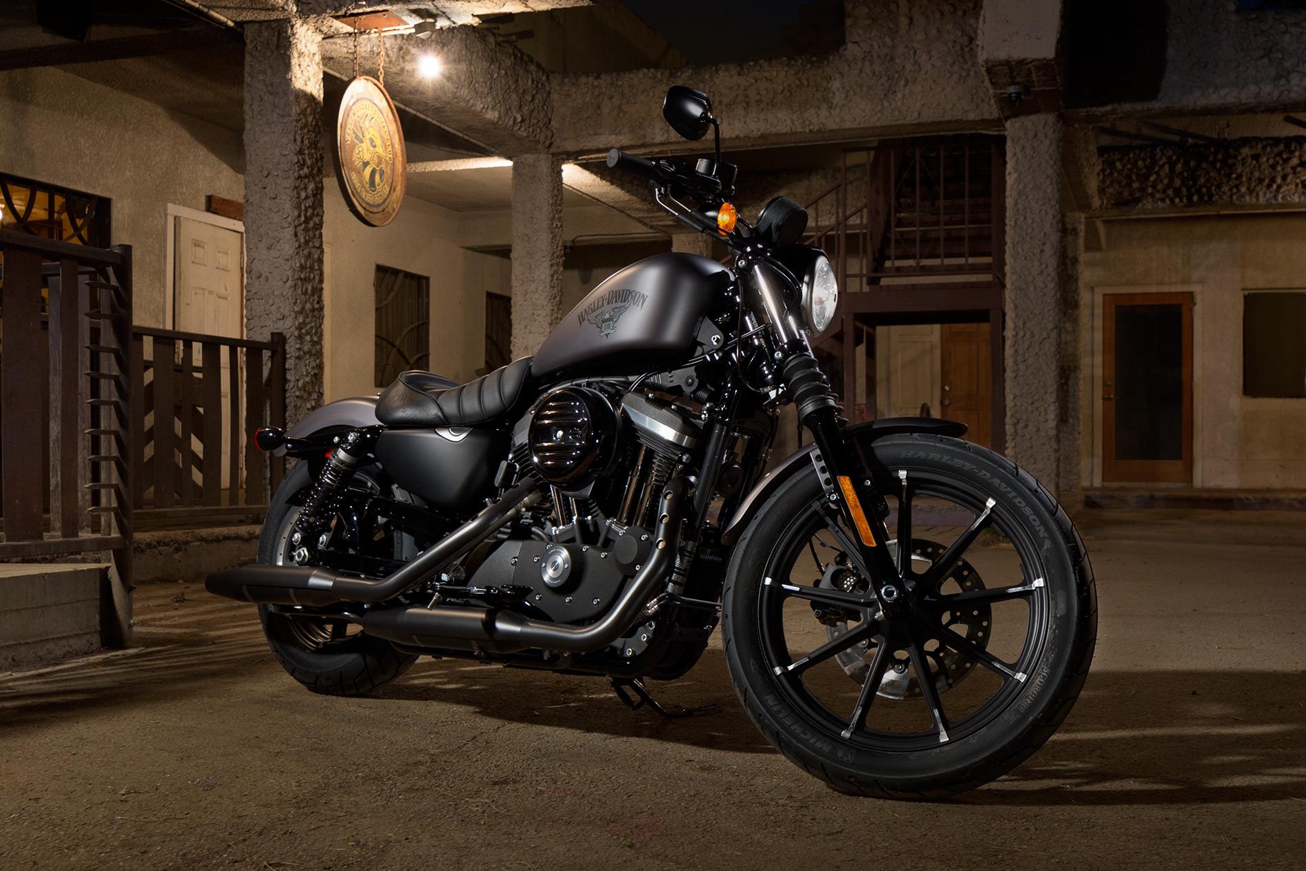 Reviews of 2016 Harley Davidson Sportster iron 883