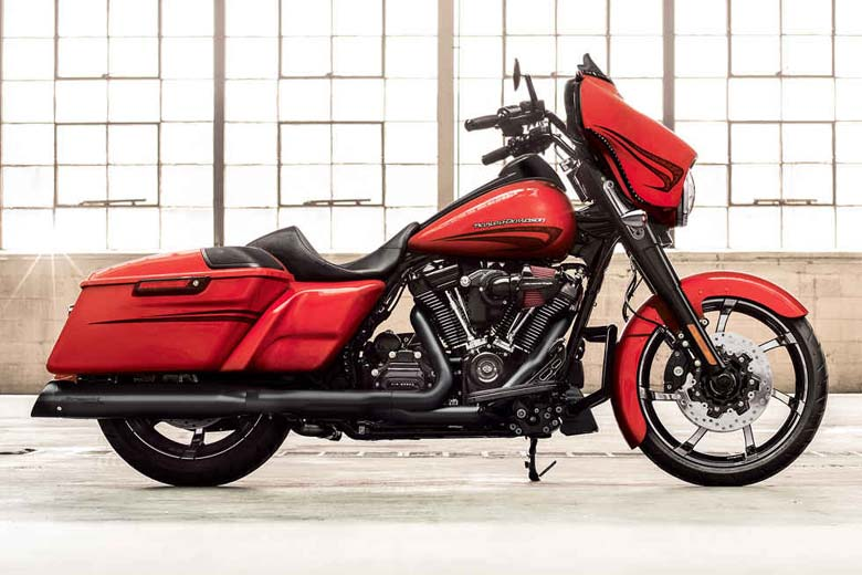 Harley-Davidson 2017 Street Glide Special Review