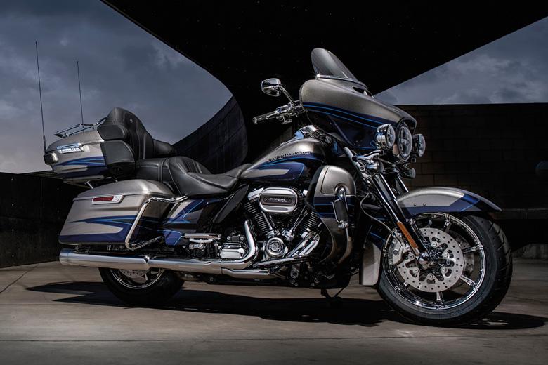 2017 CVO Limited Harley-Davidson Bike Review Price