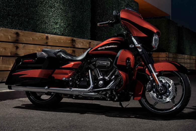 Harley-Davidson 2017 CVO Street Glide Review Price