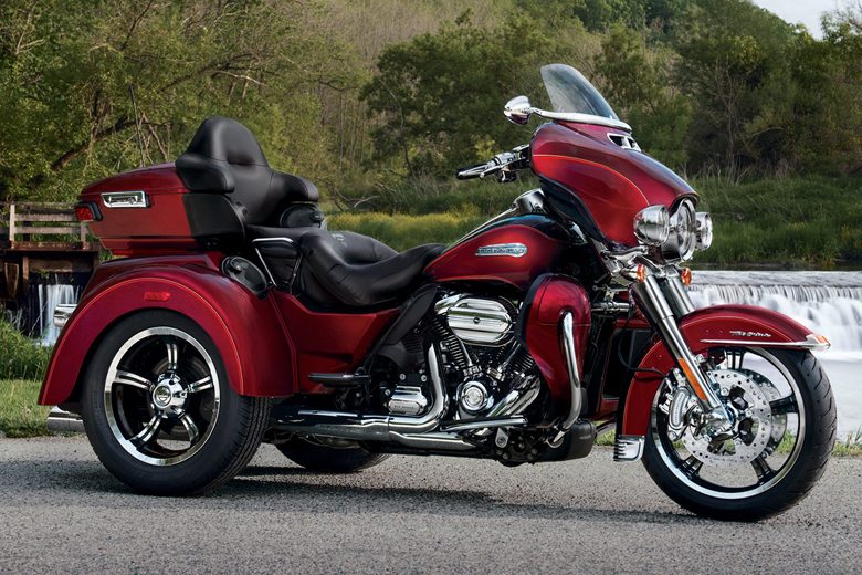 Harley Davidson 2017 Tri Glide Ultra Price Specs Review