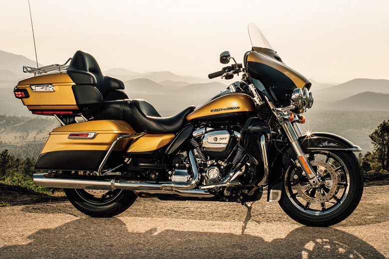 Review of Harley-Davidson 2017 Ultra Limited