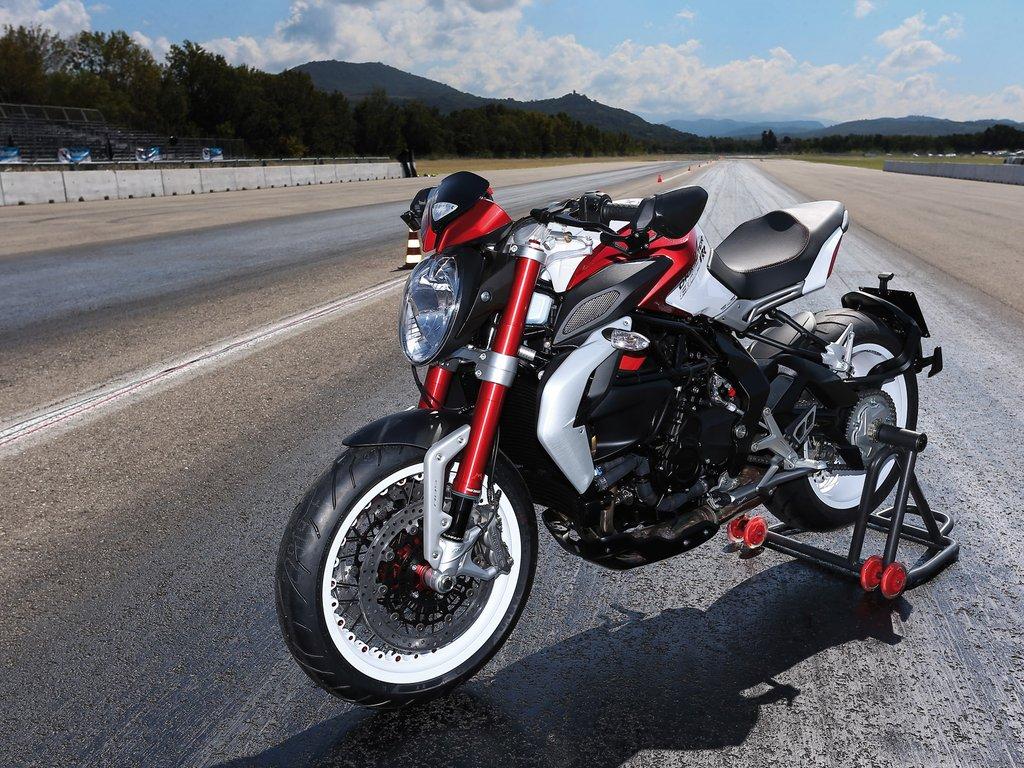 MV Agusta 2017 Dragster 800 RR Naked Bike