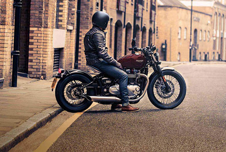 MY17 Triumph Bonneville Bobber Classic Bike Review