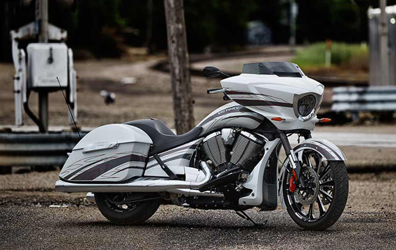 2017 Victory Magnum X-1 Baggers