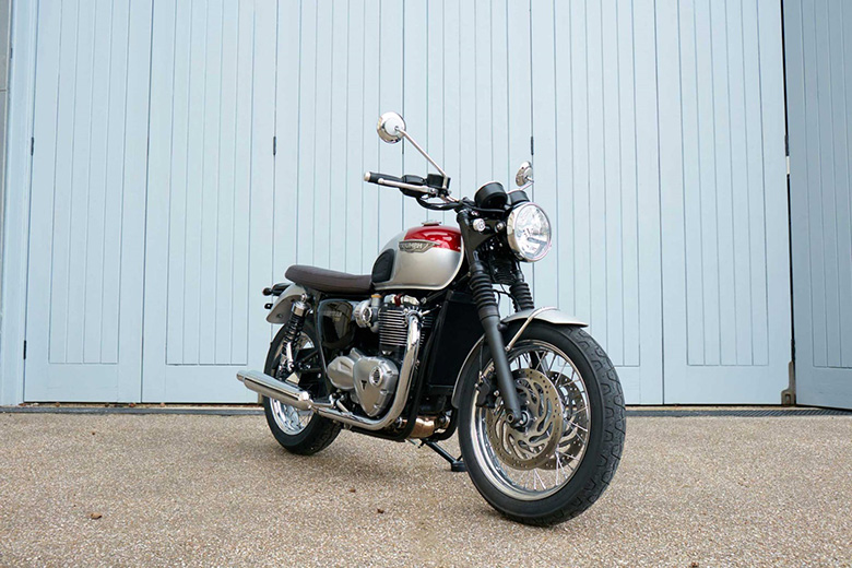 MY17 Triumph Bonneville T120 Family Classic Review
