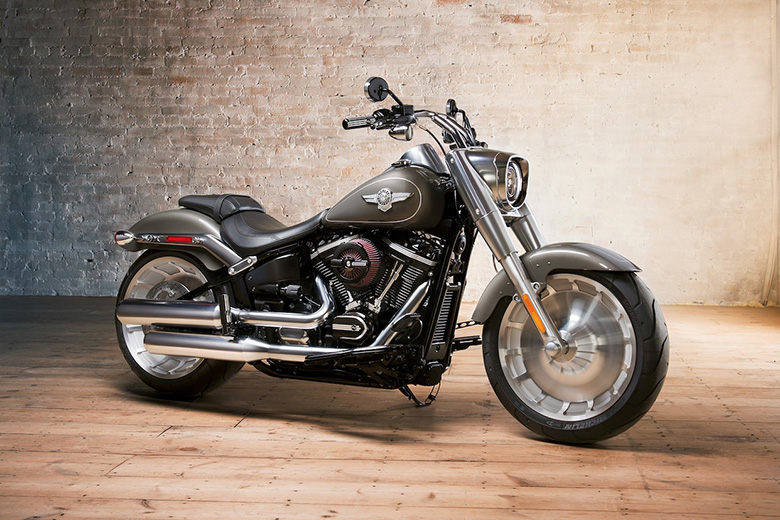 2018 Fat Boy Harley-Davidson Softail Cruisers - Review