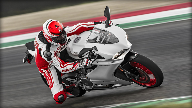 Ducati 2017 Superbike 959 Panigale (US Version)